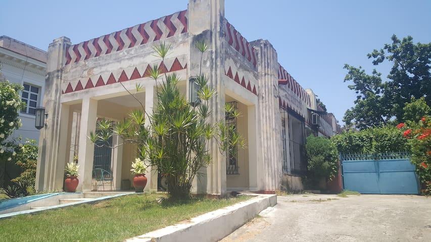 Residencia 22 no.505 Miramar R1
