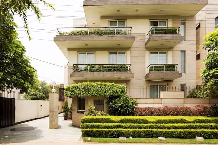1 BHK Apartment (Serviced & Professionally run)