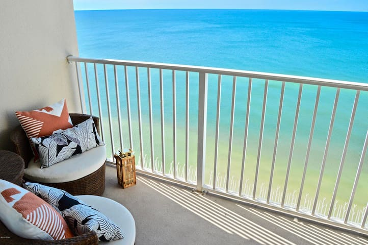 Beachfront on 19th floor/Tidewater Resort