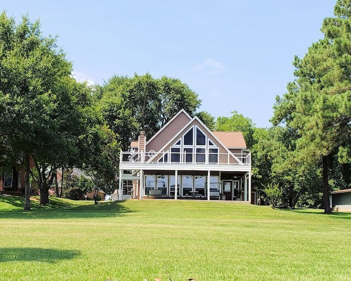 Waterfront Oasis on Lake Conroe-Relax and Enjoy