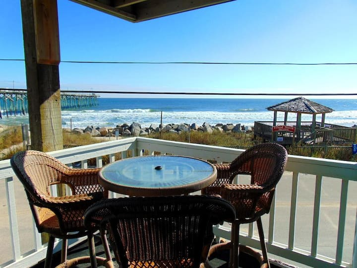 ISLAND NORTH #1A - Amazing Ocean Views from Deck.  Steps away from Carolina Beach Pier