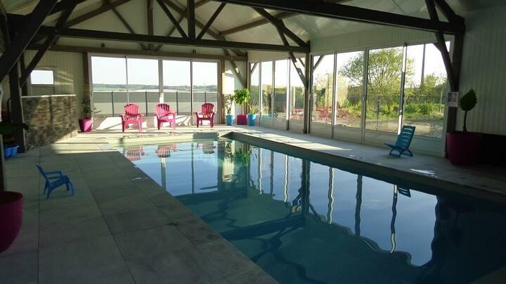 Grand gîte 3* à la ferme piscine chauffée couverte