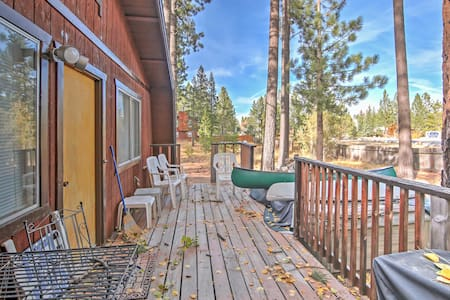 2BR South Lake Tahoe Cabin w/Alpine Views! - South Lake Tahoe
