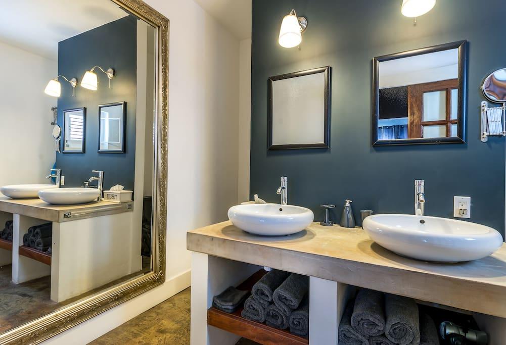 Roomy bath room, rain shower and toilet