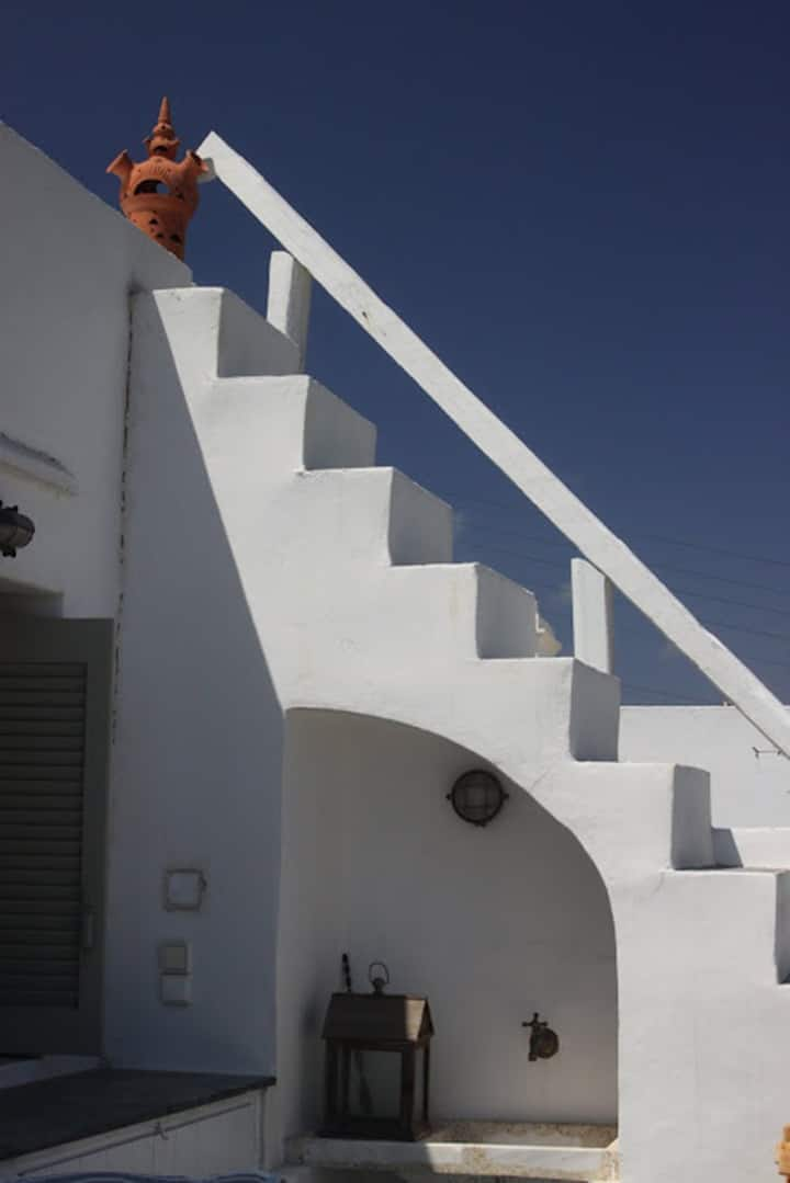 Sifnos Elegant Traditional House