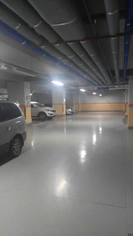 주차장 parking lot (지하3층+주차타워까지 있어 주차공간 넉넉해요~^^)