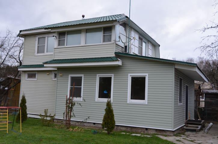 Дом с сауной и закрытой мангальней - Домодедово - House