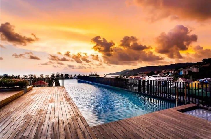 Near Patong Beach cozy condo suites-the Deck②