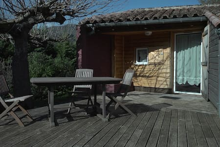 Gîte 4/6 pers - Saint-Pons-de-Thomières - Bed & Breakfast
