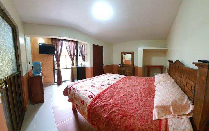 Habitación Colonial-Sencilla en Zacatlán Centro.