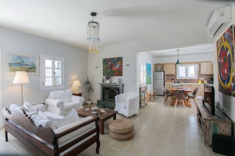 Seaside Naxos • Dimitra • 3 Bdr Villa @ Plaka ⛱️
