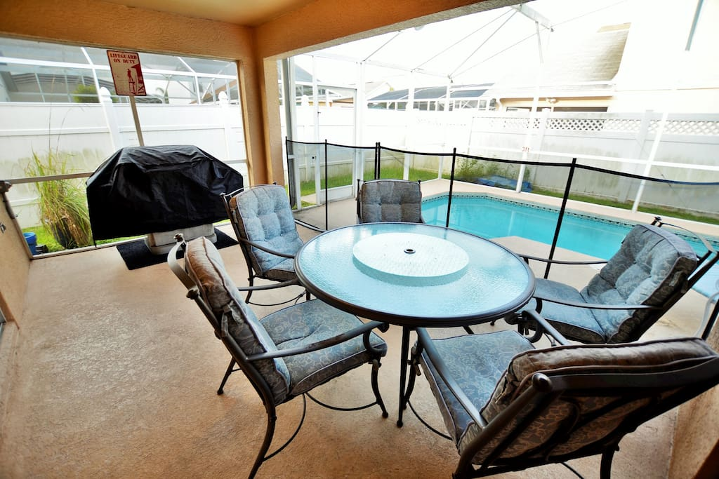 desk and chair from 130 6br 4ba pool villa disney seaworld houses 14671
