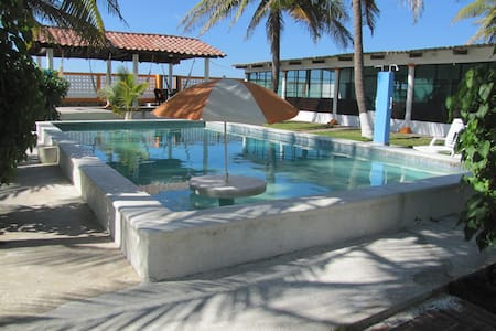 Beach front rancho near Int. Airport/surfing spots