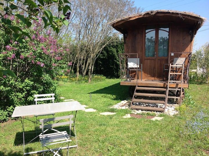 Jolie petite roulotte en Drôme Provençale