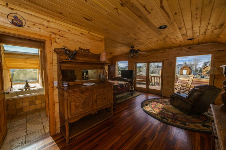 Grey Wolf Resort Barn Lodge Master Suite