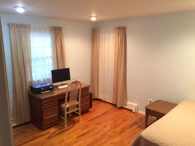 Comfortable Private Room! - Huntington Station - 一軒家