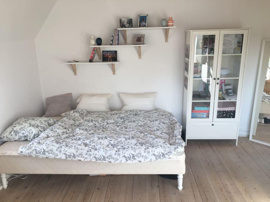Soveværelse nr. 2. med dobbeltseng