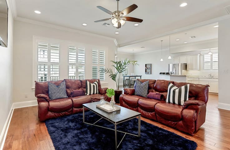 GORG NOLA Home!Minutes from the LAKE!4BR/Sleeps 10