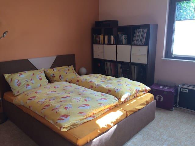 Schönes Zimmer auf dem Lande