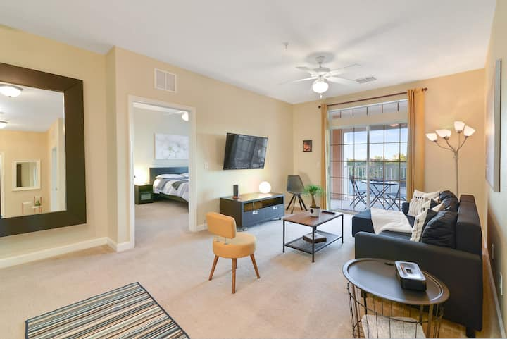 ☆ SPECTACULAR CONDO ☆ only 4 Miles to Disney!
