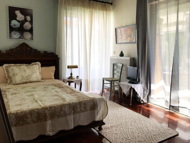 ✳ Cozy & Vintage Pistachio room ✳ next to Sea