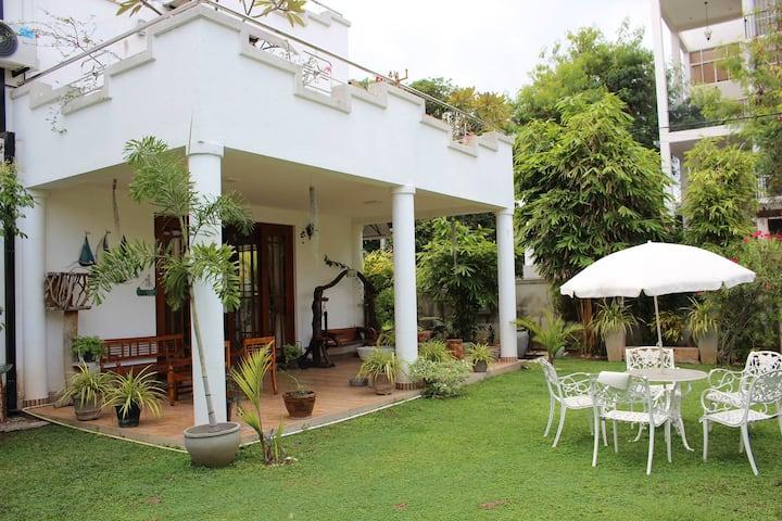 *SPECIAL 10% DISCOUNT APRIL* Negombo Nook, Room 3