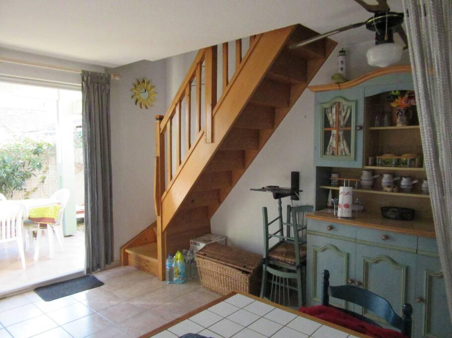 jolie villa familiale avec piscine maisons louer cap d 39 agde languedoc roussillon france. Black Bedroom Furniture Sets. Home Design Ideas