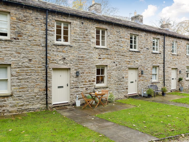 Riverbank Cottage (UK2136)