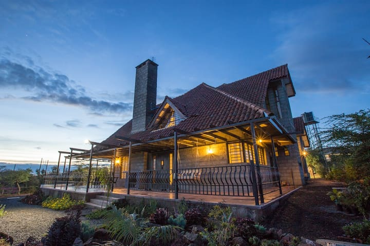 Isaac House - Athi River - House
