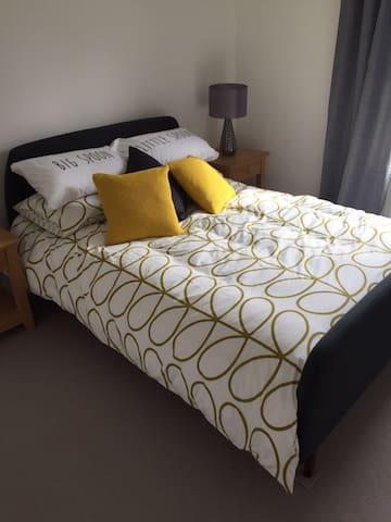 Double room in end of terrace house - Royal Tunbridge Wells - Şehir evi