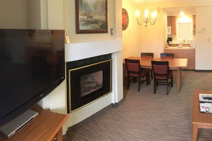 Family-Friendly | 1BR Condo | Resort Amenities - Lincoln