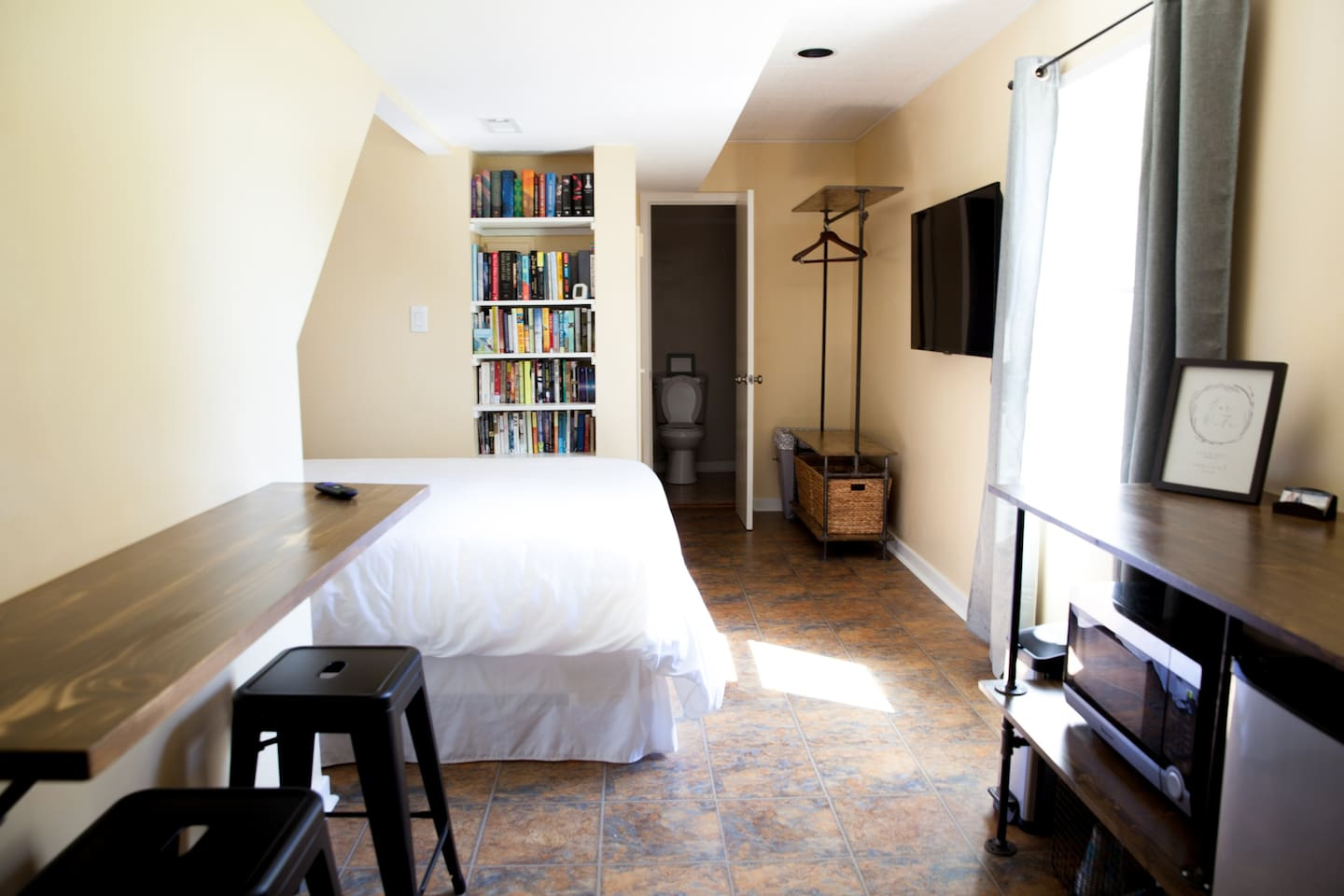 Studio style apartment with everything you need for a relaxing getaway!