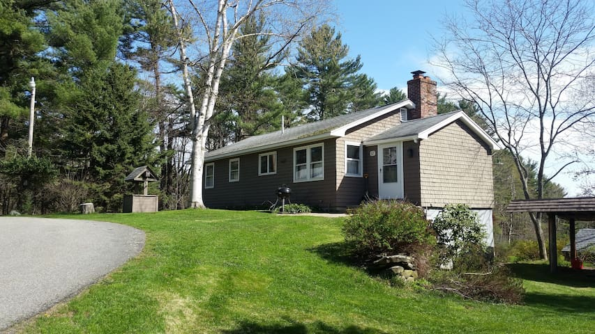 Quiet  Home with heated inground pool, waterfront