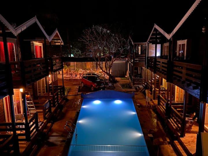 swiss cottage room @ casa obrigado  arambol Goa