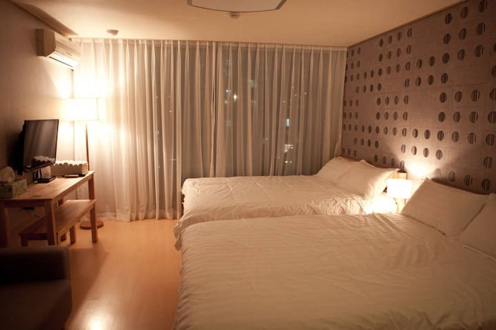 ***SALE!! COZY HOUSE:) Center of Seomyeon !!