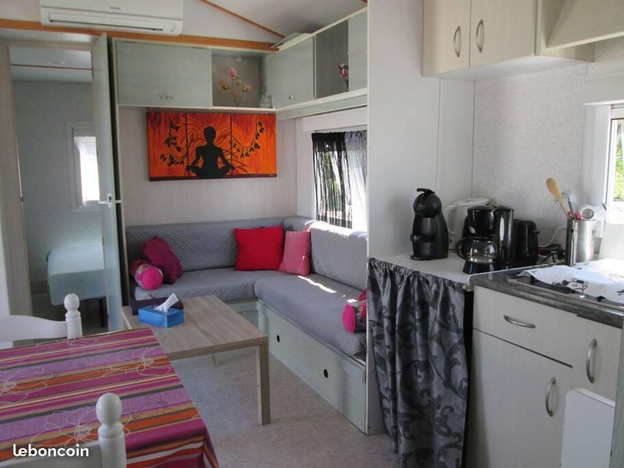 La pièce commune, salon, espace salle à manger