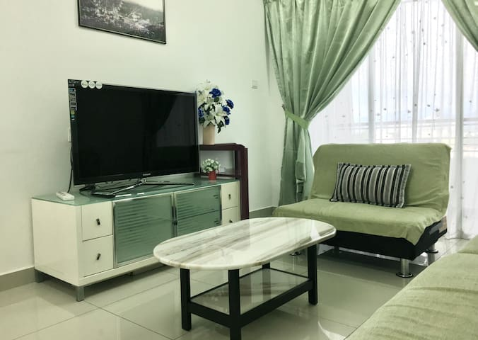 """Relaxing (2)"" Ipoh Majestic Homestay by GA Homes"