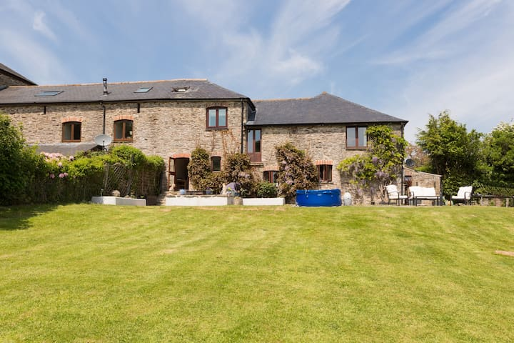 Beautiful Barn Conversion Near Salcombe