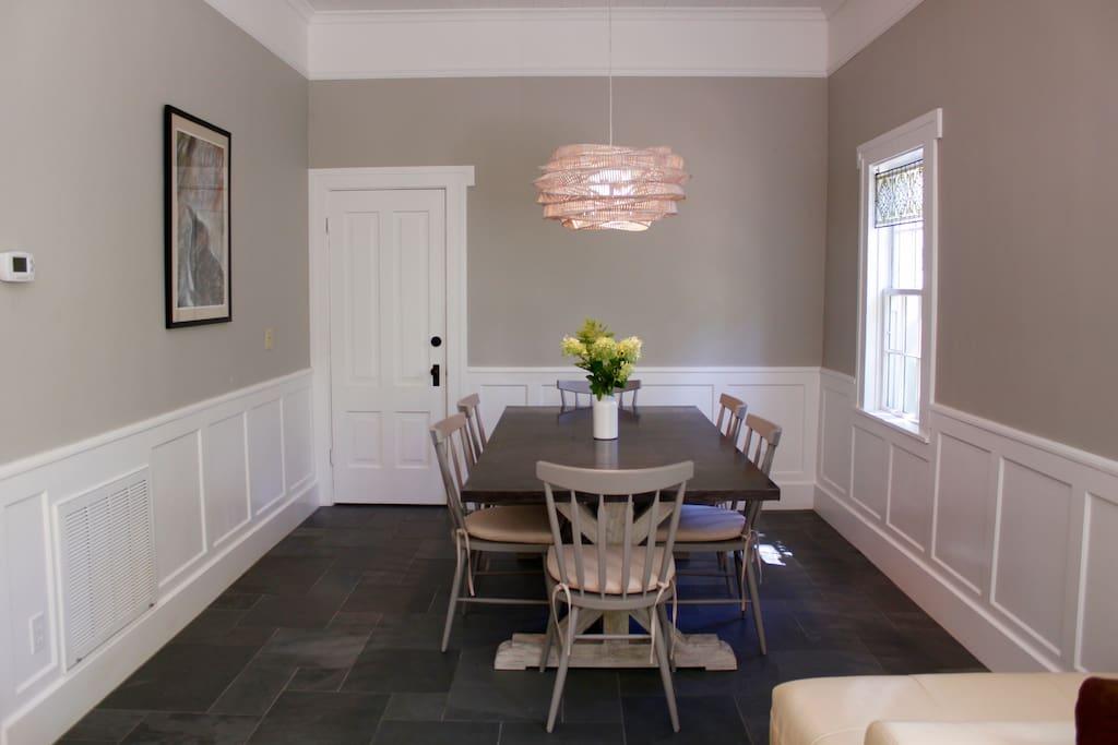 downtown designer studio 750 sq ft houses for rent in. Black Bedroom Furniture Sets. Home Design Ideas