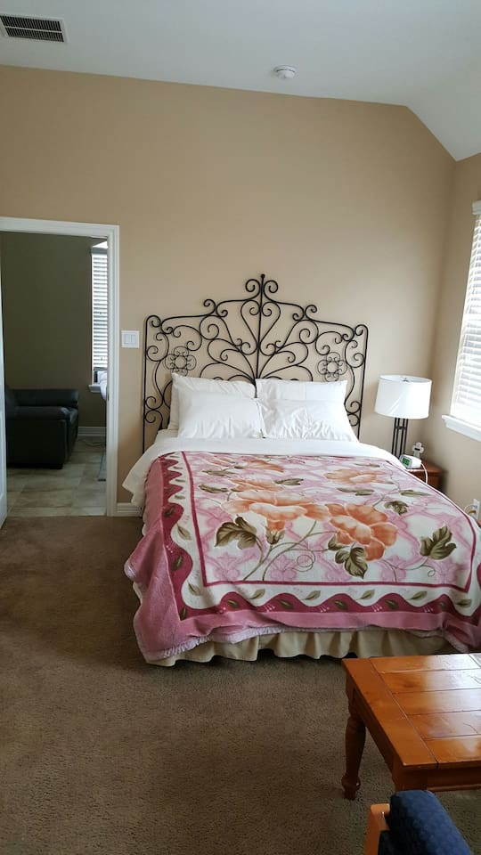 Very Comfortable Queen Size Bed with Sitting Area to relax in the bedroom while kids watch TV in the Living Room,  how about coffee time? Wao.