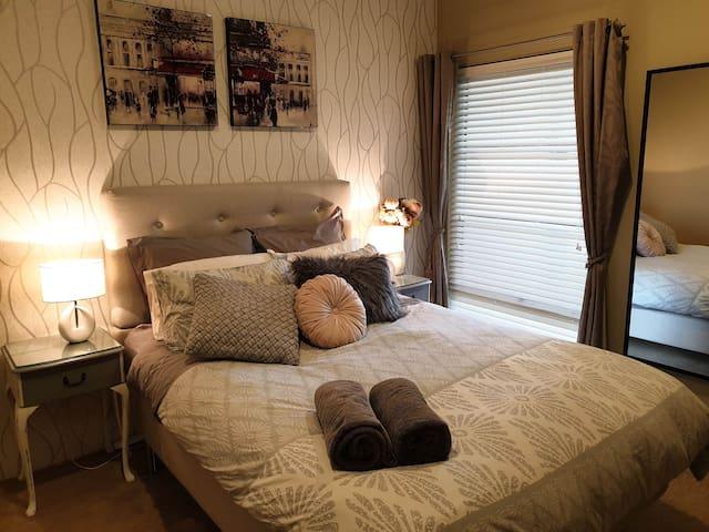 Fully Furnished 3 Bed 2 Bath