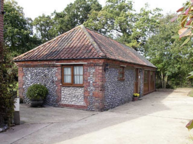 Orchard Cottage-23895 (23895)