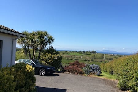 Stunning View of Donegal Bay with Tennis Court - Sligo