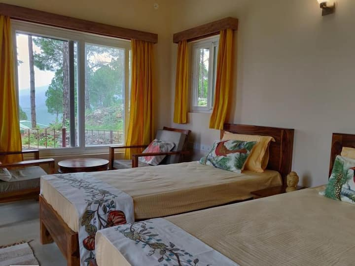 Executive Room with Free Breakfast in Tehri
