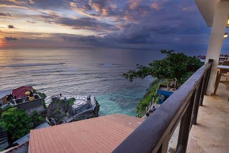 Uluwatu Cliff Apartment - 3Br - Ocean View - 아파트