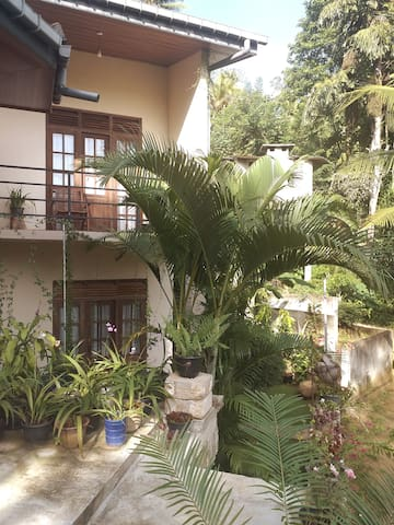 """Wahalkada Home Stay"" feel the kandyan hospitality"