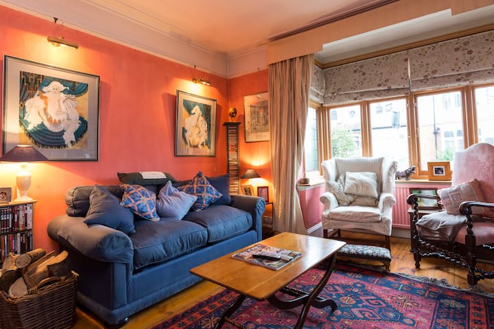 Cosy small double in Tooting