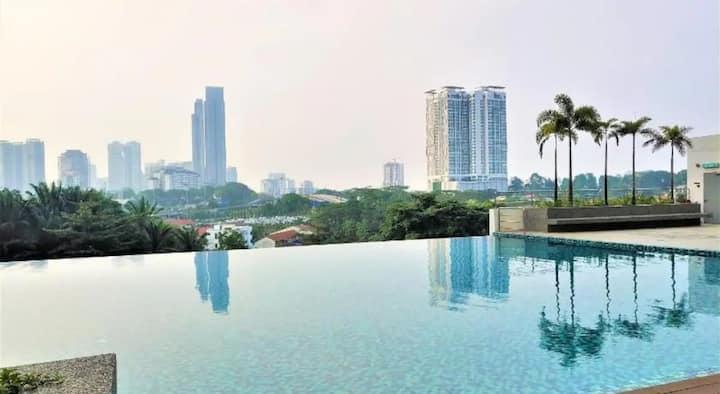 3BR Seaview CIQ Johor Skysuites Near City Square