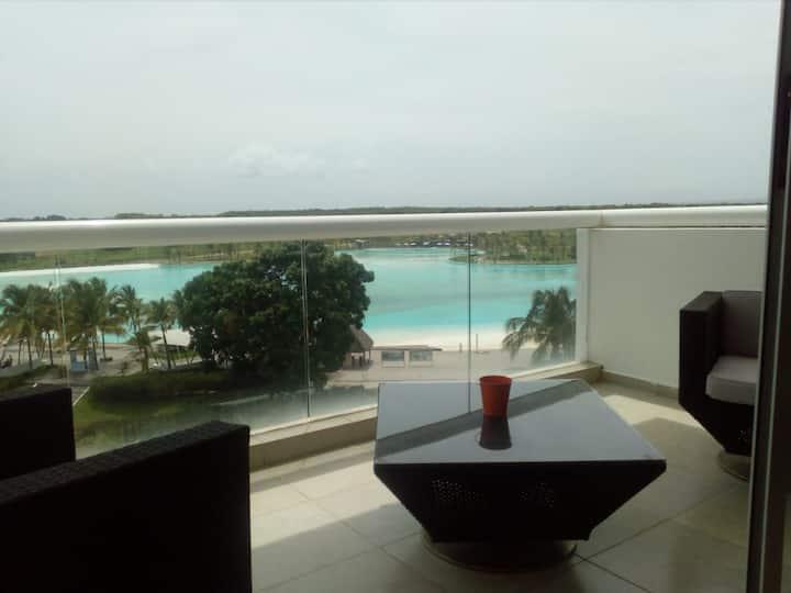 View&Large Pool apt. In Playa Blanca, Panama