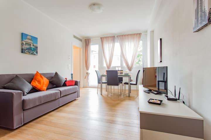 Santa Sofia Apartments - Gattamelata Apartment